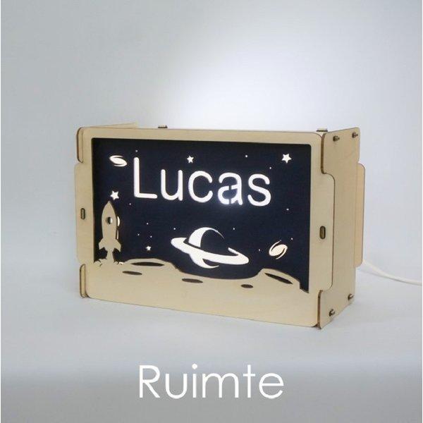Houtlokael Nachtlampje met naam: Ruimte