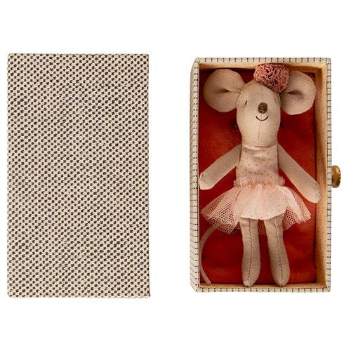 Maileg Dancing mouse in daybed, Little sister (muis)-3