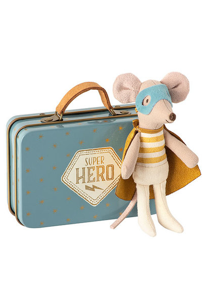 Maileg Superhero mouse, Little brother in suitcase  (muis)