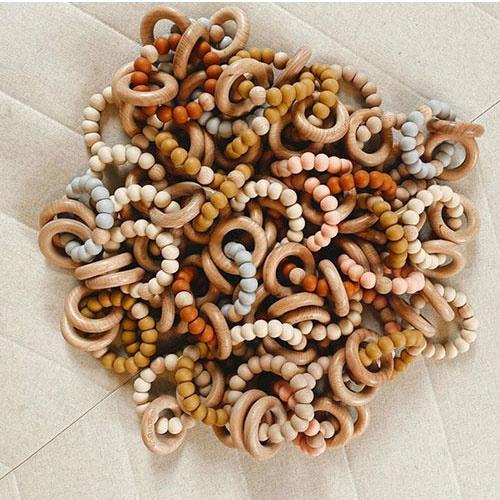 Grech & Co Sedona Teething Ring + Rattle Shell (Bijtring en rammelaar)-3
