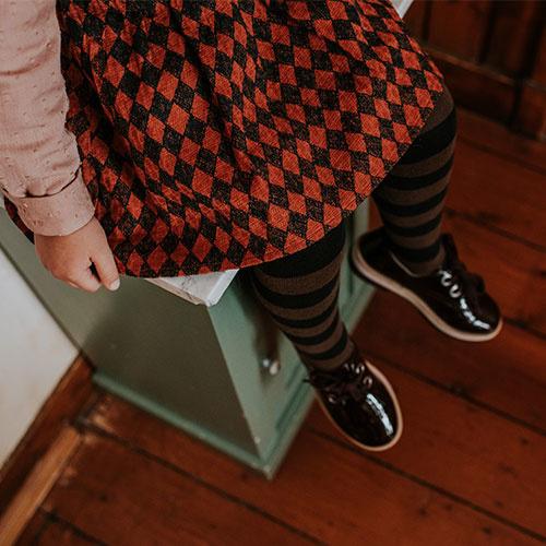Sproet & Sprout Skirt Straps Diamond AOP Black / Copper Brown (Rok)-4
