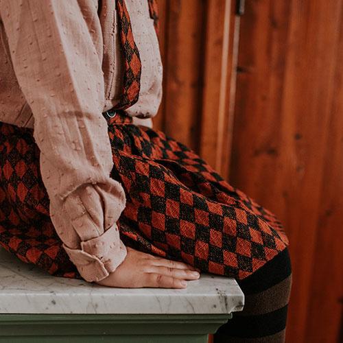 Sproet & Sprout Skirt Straps Diamond AOP Black / Copper Brown (Rok)-5