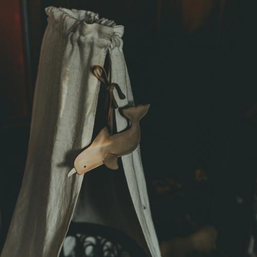 Donsje Lappy Cradle Hanger | Narwhal Powder Metallic Nubuck-2