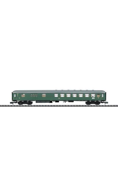 18404 Schnellzugwagen mit Gepäckrau