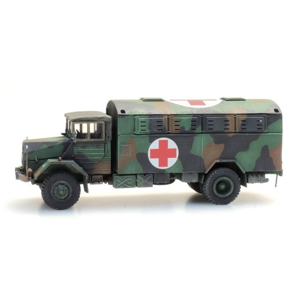 Artitec 6870419 BRD MAN 630 L2 A Großraum-Krankenkraftwagen (KrKw GR)