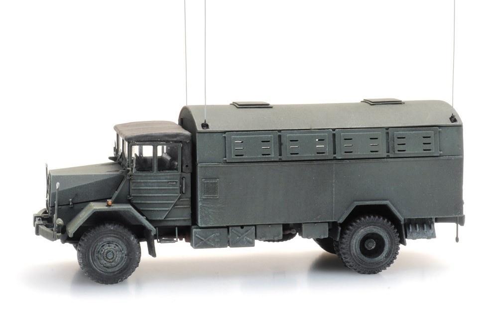 6870417 BRD MAN 630 L2 A mit  Fernmelde Kofferaufbau-1