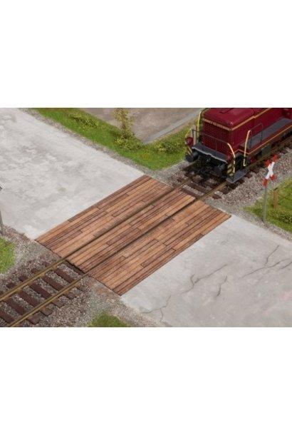 67105    Bahnübergang Holzbohlen