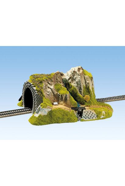 02200 Tunnel