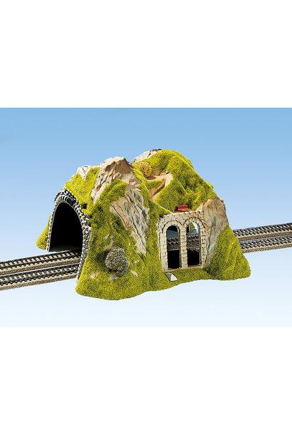 02430 Tunnel