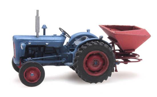 387.347 - Traktor Fordson met kunstmeststrooier-1