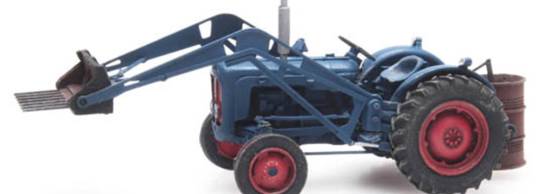 387.313 Traktor Ford met voorlader