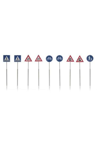 387.215 NL-verkeersborden: voetganger, fiets, trein 9 stuks
