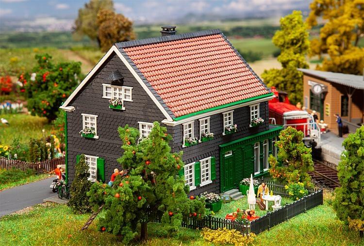 191750 Huis berg landschap-1