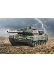 Italeri 6567 1:35 Bouwpakket Leopard 2A6 (NL decals)