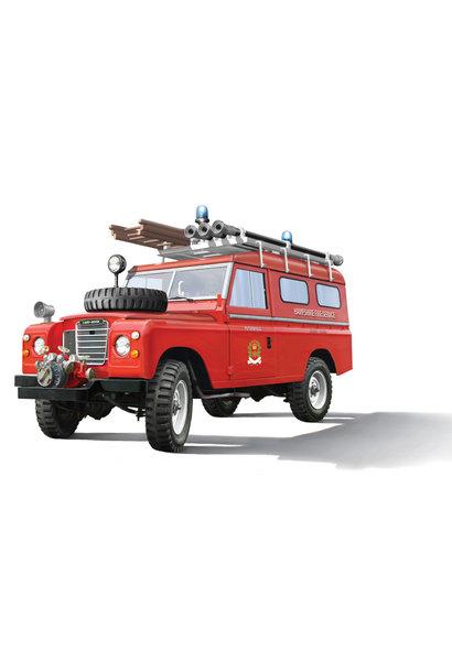 3660 1:24 Land Rover Fire Truck