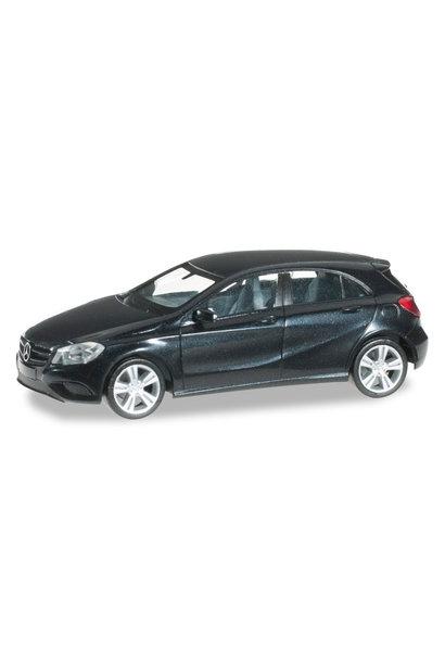 038263-003 Mercedes Benz A-Klasse, saphirzwart