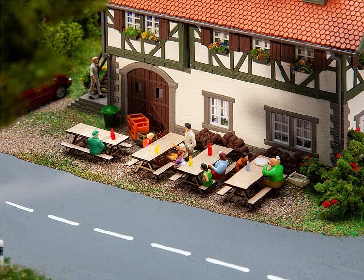 180304 4 Picknickbänke-1