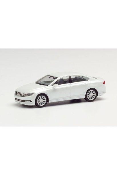 VW Passat Limousine, Wit Metallic