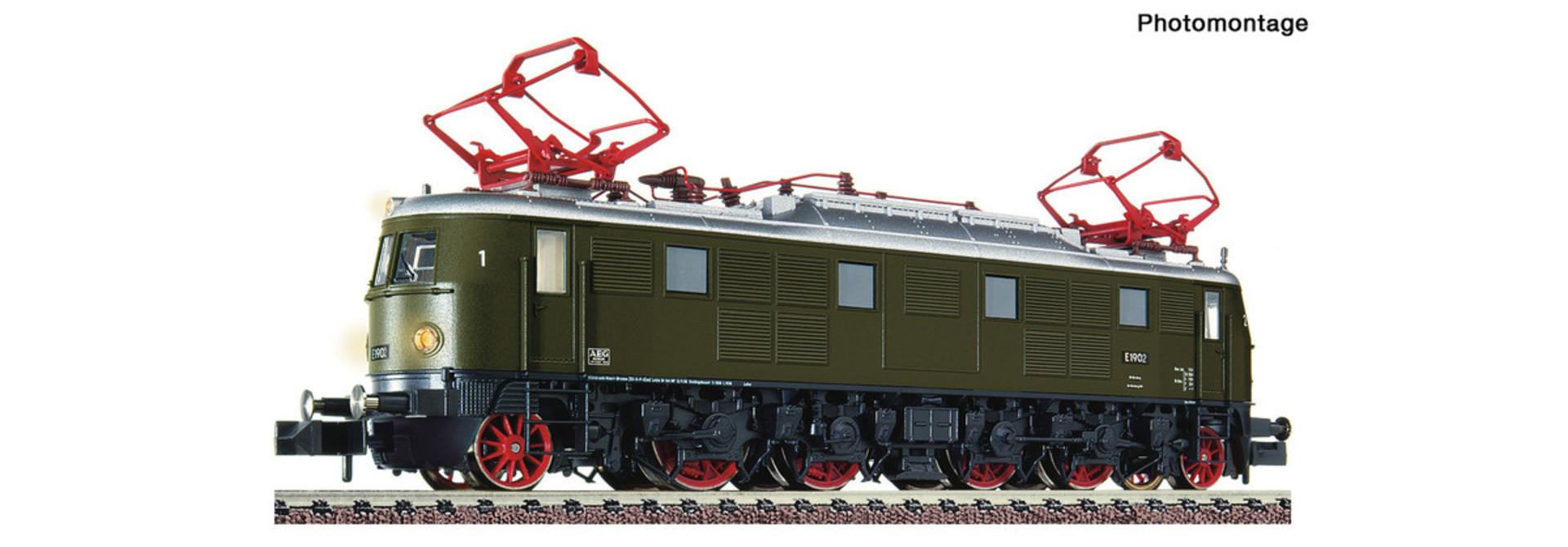 731905 Elektrische locomotief E 19 02