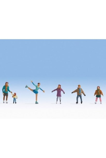 15824 Ice Skaters