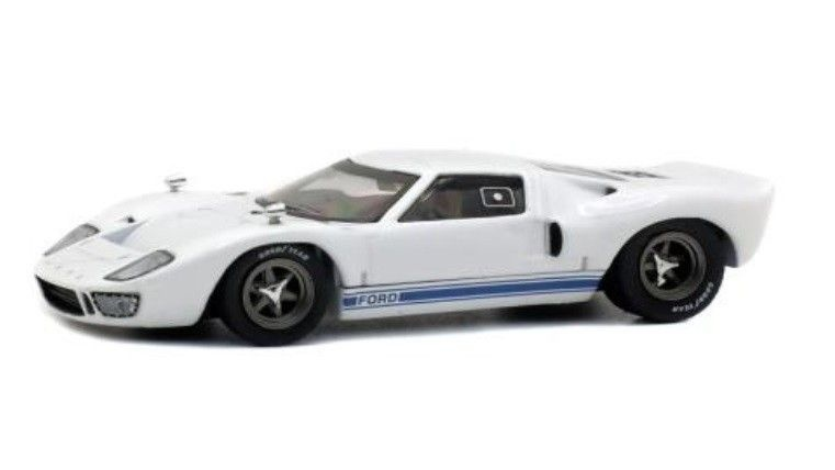 1:43 Ford GT40, wit-1