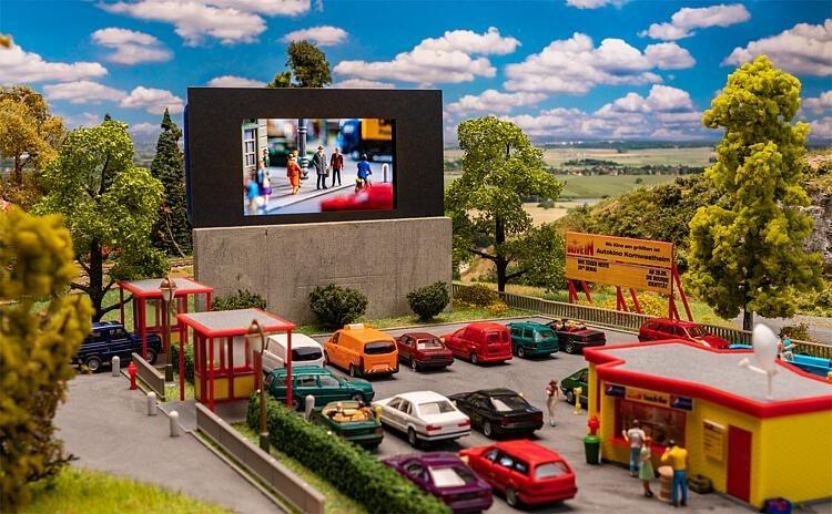 130880  H0 Drive in bioscoop-1
