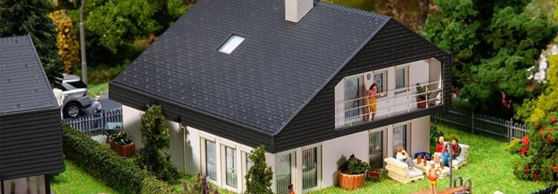 130642 Woonhuis met platen dak