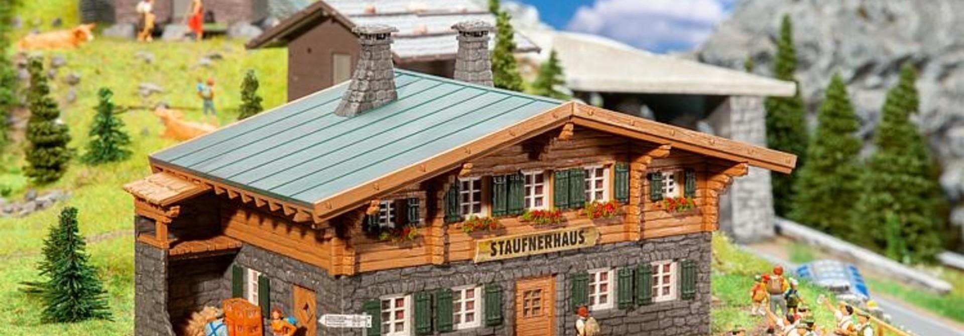 130635 BERGHUT STAUFNERHAUS (5/19) *