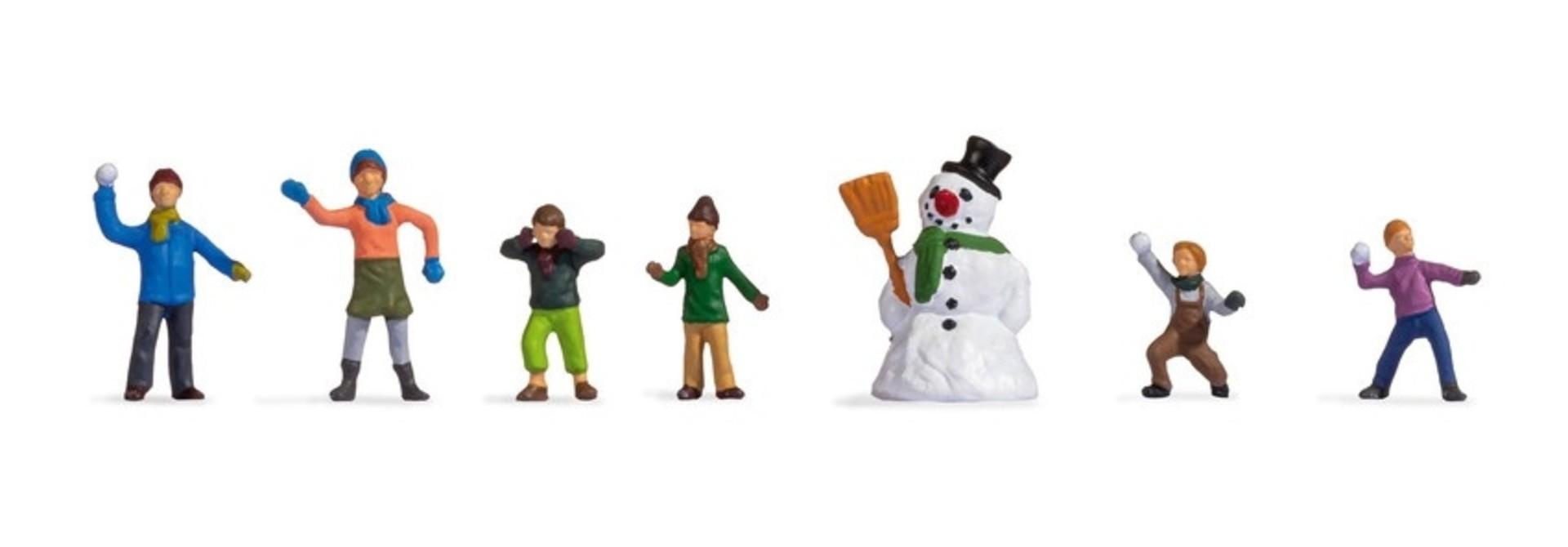 15821 Kinder im Schnee