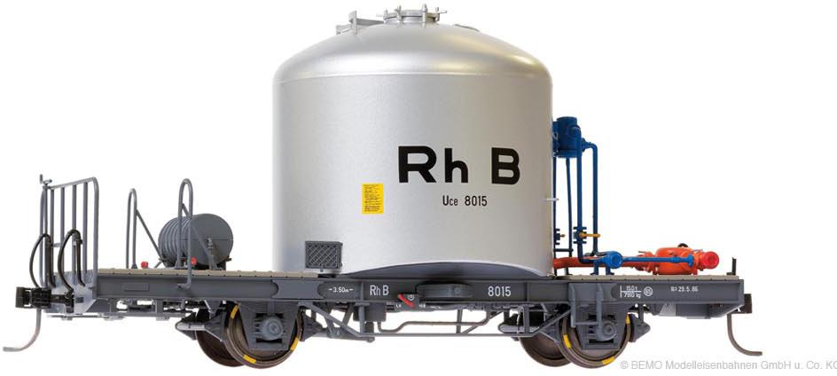 """RhB Uce 8015 Zementsilowagen """"RhB"""" mit Verrohrung-1"""