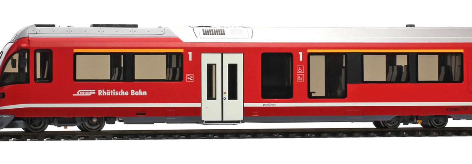 3298182 RhB At 578 01 AGZ Steuerwagen mit Innenbel.