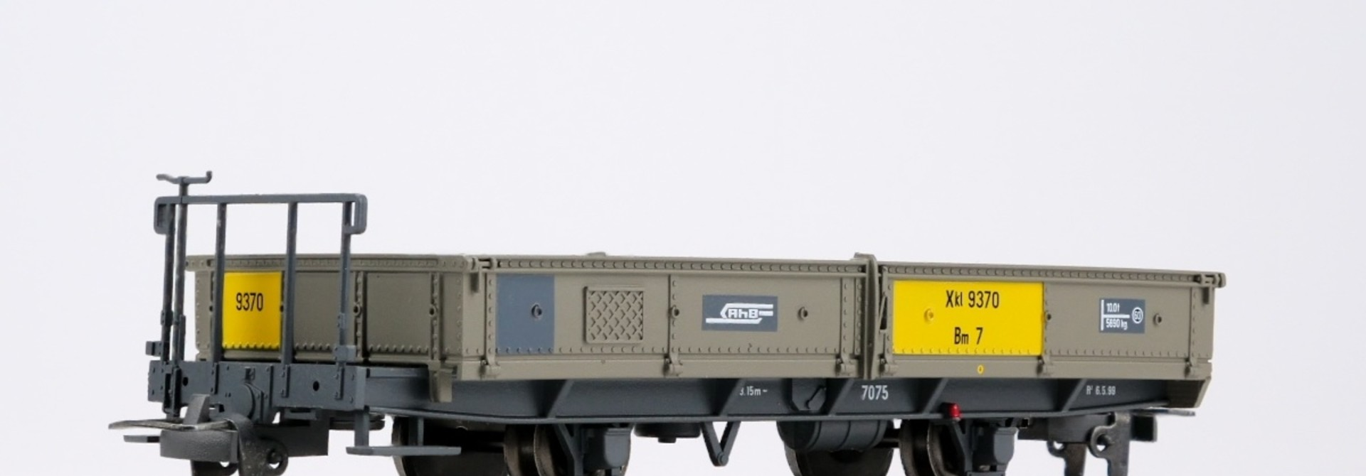2257190 RhB Xk 9370 Bm7 Niederbordwagen