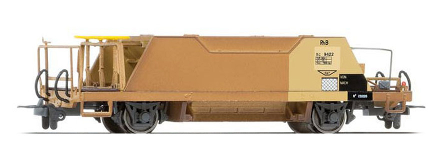 2253125 RhB Xc 9425 Schotterwagen gelb/rostig-1