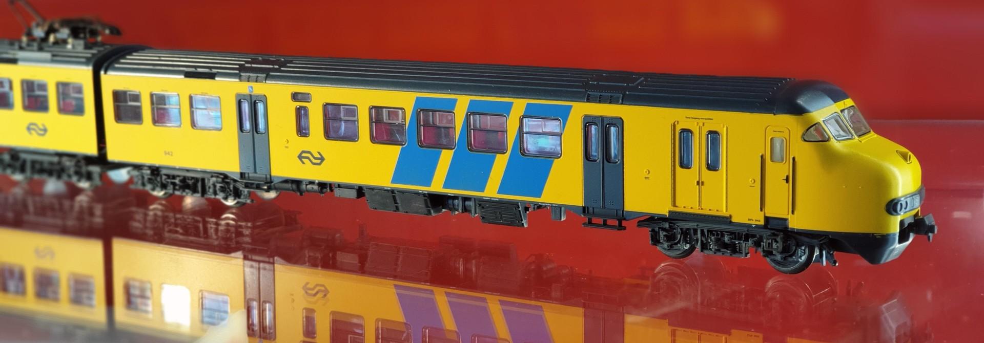 1472 treinstel Plan V van de NS AC digitaal