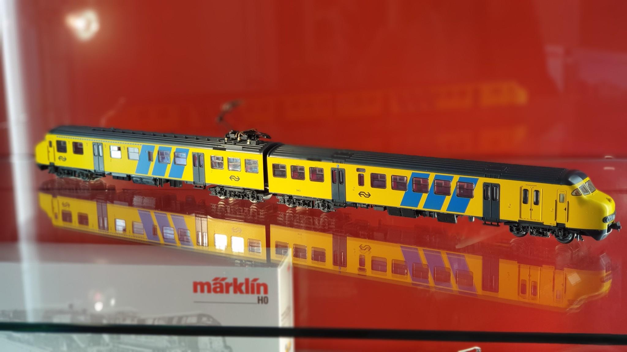1472 treinstel Plan V van de NS AC digitaal-2