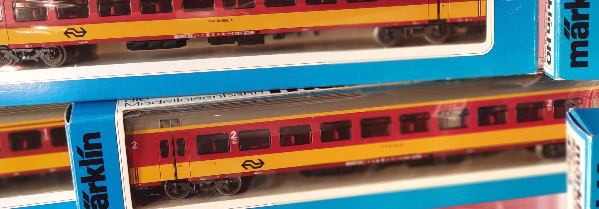 4263 Benelux Intercity rijtuig 2e klasse
