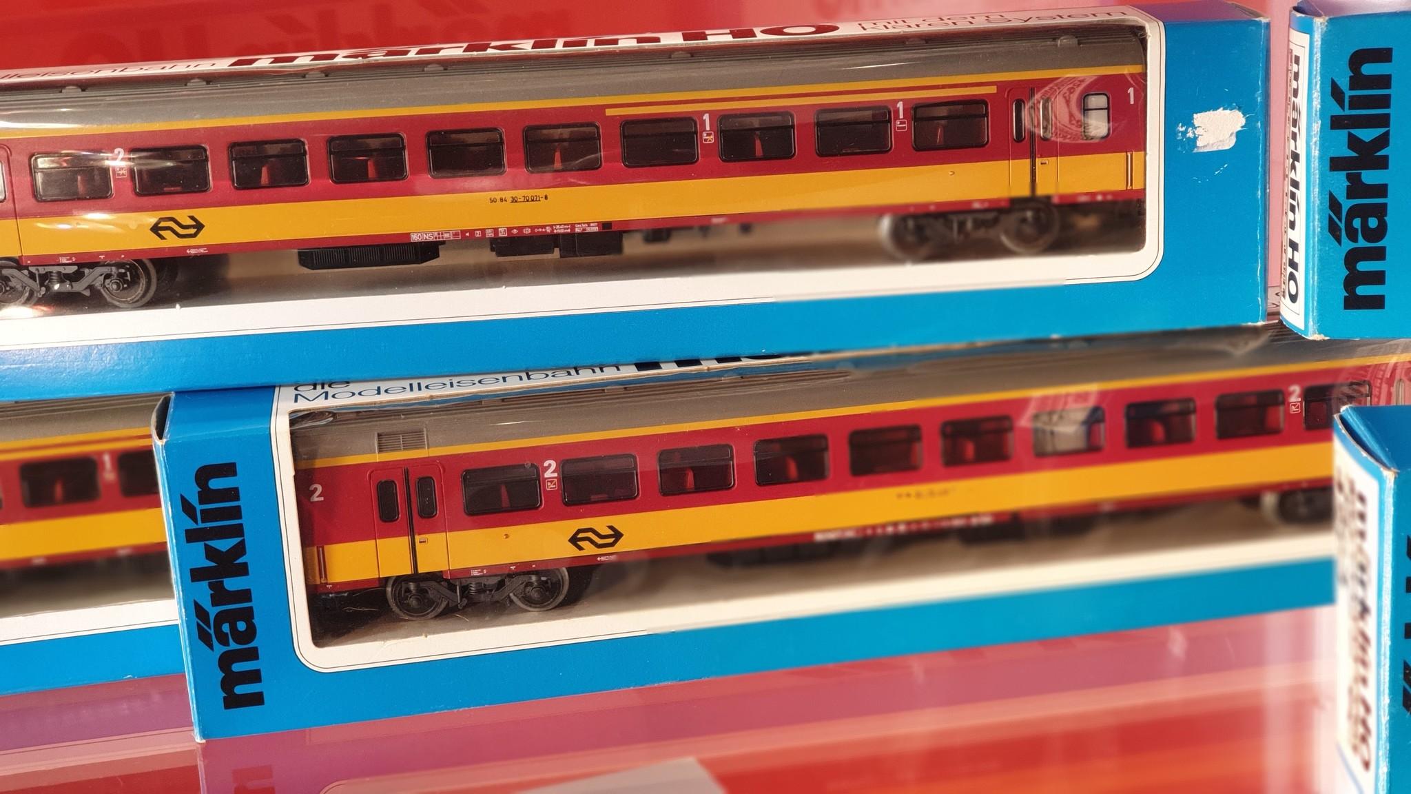 4263 Benelux Intercity rijtuig 2e klasse-1