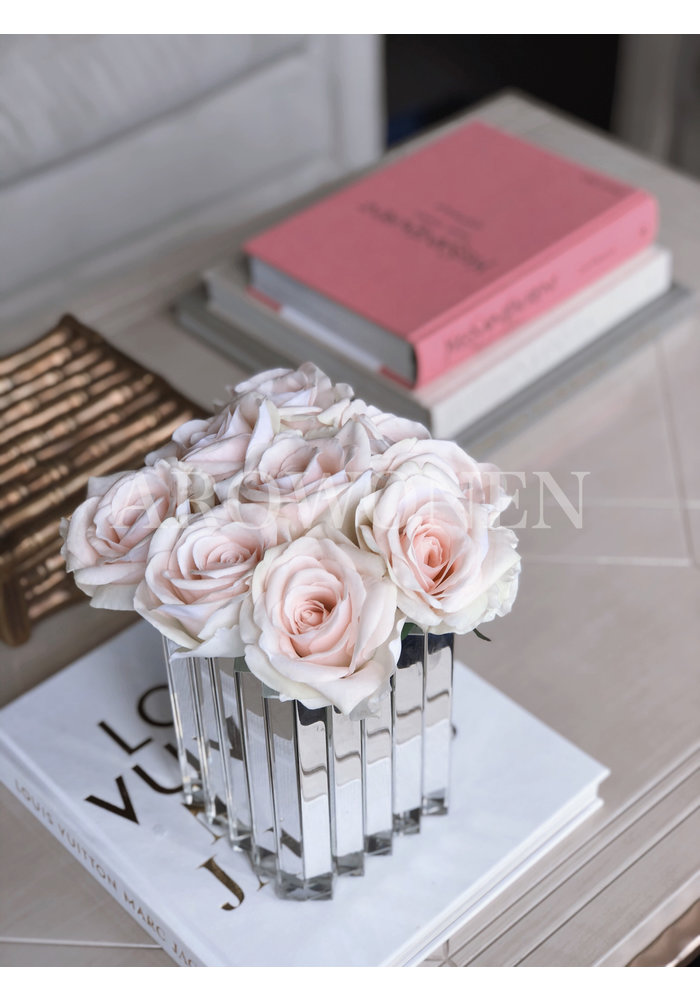 Boeket - Lucy  Soft pink ( 9 pieces )