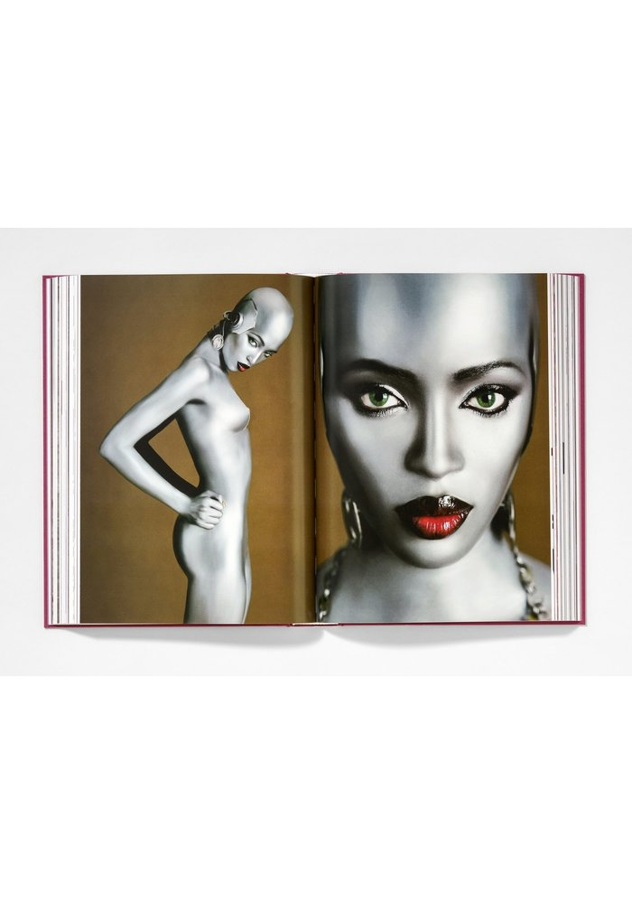 Book - Naomi Campbell. Updated Edition