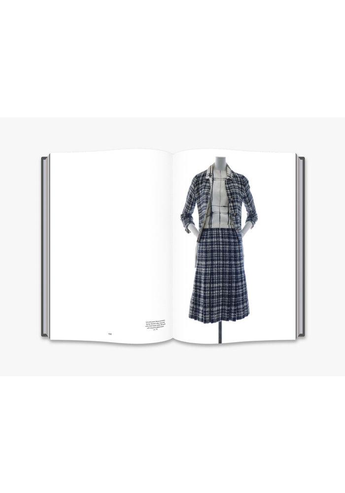 Book - Gabrielle Chanel  - Fashion Manifesto