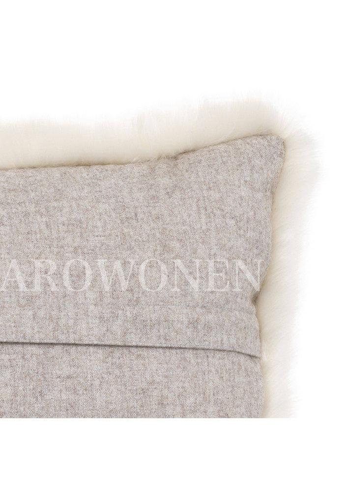 PRE-ORDER - Cushion - Fluffles daisy
