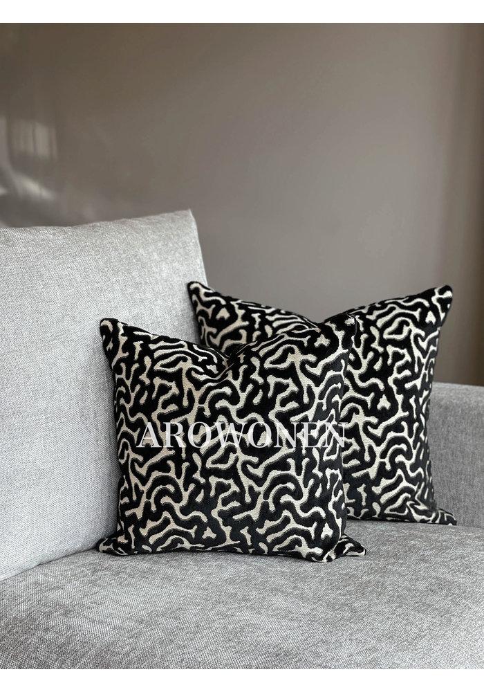 Decorative Cushion - Hippolyra - Black