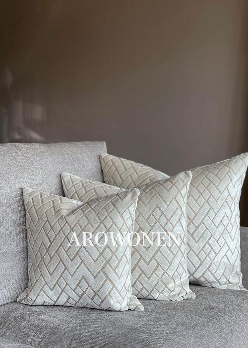 AROWONEN Decorative Cushion - Checkerd - Creme