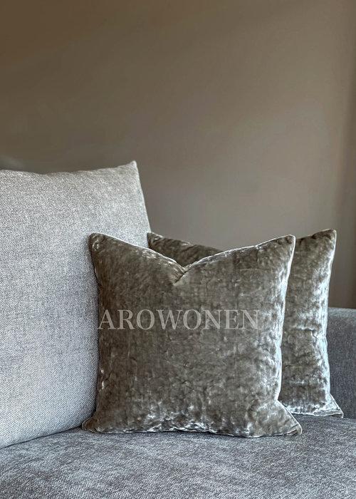 AROWONEN Decorative Cushion - Crushed Velvet - Silver