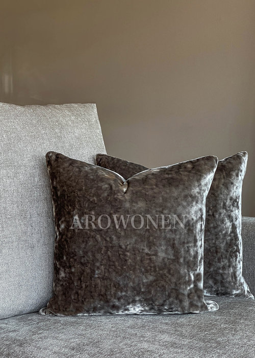 AROWONEN Decorative Cushion - Crushed Velvet - Grey
