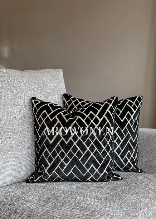 AROWONEN Decorative Cushion - Checkerd - Black