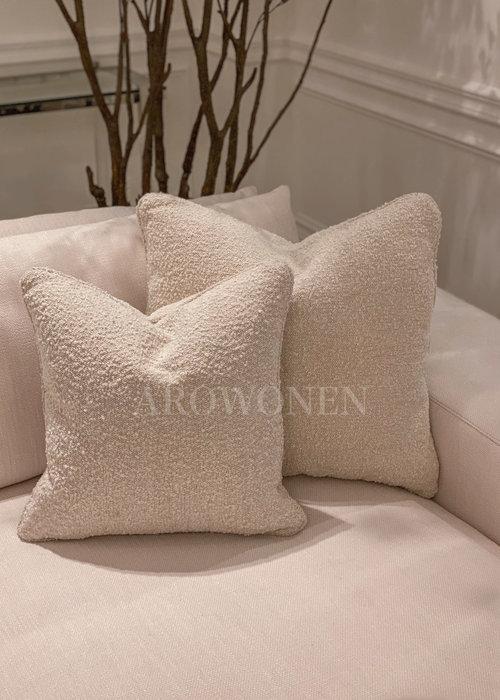 PRE - ORDER - Coussin décoratif- Coco white - S