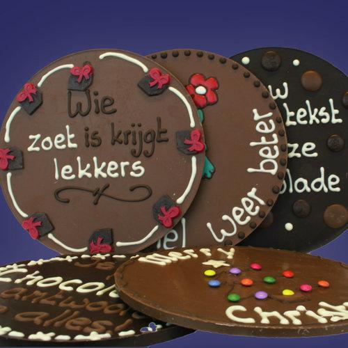 Ronde chocolade-plakkaten met tekst