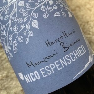 Weingut Espenhof / Nico Espenschied Manzoni Bianco Herz + Hand