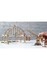 Ugears mechanische 3D-bouwpakketten Ugears Spoorbouw Robot (mechanisch houten 3D-bouwpakket)